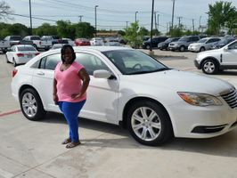 2013 Chrysler 200 Reviewed by Toya V. from Arlington Texas